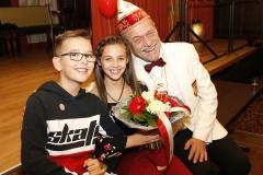 Kilian und Lina mit dem stellvertretenden Kinderprinzenführer Johannes Bremkens